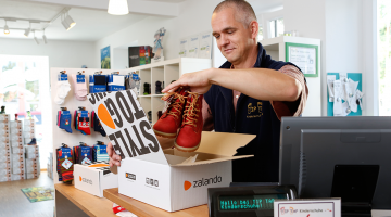 Zalando connects offline and online more